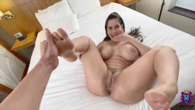 Gorgeous Curvy MILF So Horny.. She Loves Rough - Yinyleon