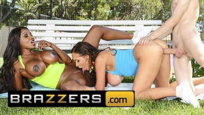 Jordi Fucked The Brunette Women In The Garden