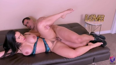 Fit Sexy MILF Bounced Huge Cock