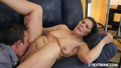 21Sextreme - Cock-hungry Mılf Margo and her Newest Boy Toy
