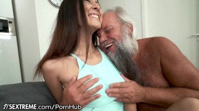 21Sextreme - Grandpa Greets Babe Lover in his Towel