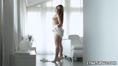 21Naturals - Executive Sexy Woman Walks Naked At Home