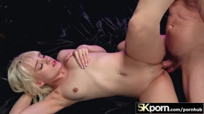 5KPorn - Cute Blonde Girl Spinner Naomi Nash in Ultra Hard Fucking