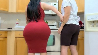 BIG ASS HORNY STEPMOM SEDUCE HER STEPSON IN THE KITCHEN | CRYSTAL LUST