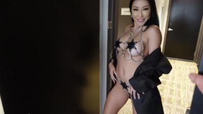 Dating japanese woman sex in hotel room