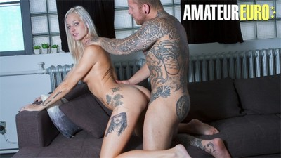 CastingFrancais - Sexy Canadian Chick First Hardcore Sex in Casting - AMATEUREURO
