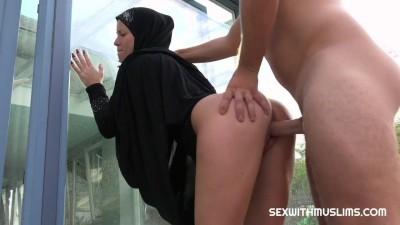 CZECH MUSLIM OUTDOOR AMATEUR SEX