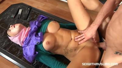 Hot Arab Babe Loves Riding Big Cock