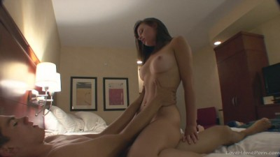 Amateur babe in a wild hotel fuck