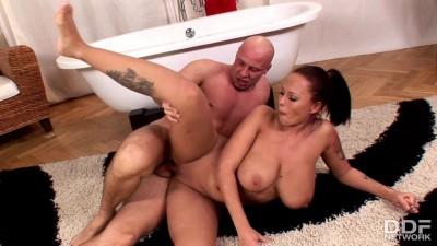 Big tits top model anal sex and tub cumshot