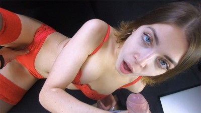 Teen babe love slobbering deepthroat blowjob