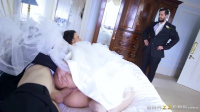 Cheating Horny Big Titted Bride Simony Diamond Loves Anal