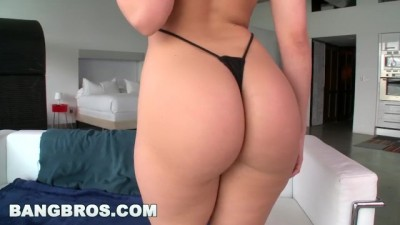 PAWG Hottie Alexis Texas Has a  Fat and Juicy White Tıght Ass