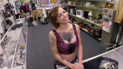 Tattooed Sexy Harlow Harrison Gives Herself