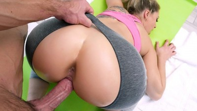 Amazing Fit Big Booty Babe Gets Plowed By Trainer PAWG