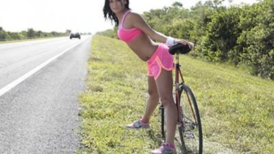 Stranded Teens - Hottie Hitchhiker Nadia Capri Wants Cock