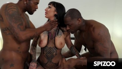 Busty Hottie Jessie Lee Takes BBC Punishment .. Interracial Threesome