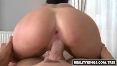 Jessica Swan takes anal from behind and likes