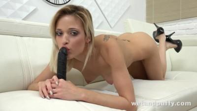 Dirty Secretery Doing Sensual Orgasms with a Big Black Dildo!