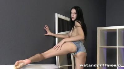 Sexy slender model Mia in a passionate solo masturbation