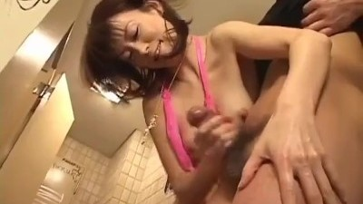 Hottie Japanese gives a sensual blowjob