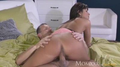 Horny Brunette MILF Milks her Husband's Cock Dry with her Expert Pussy