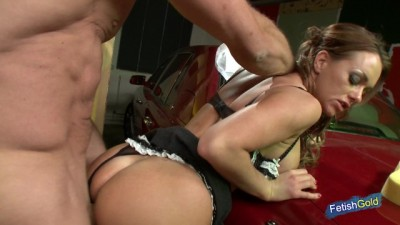 Busty Blonde Babe Gets her Pussy Banged by Strangers Guy
