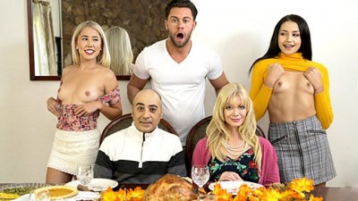 """Who's Hotter"" - Thanksgiving Creampie S10:E6"