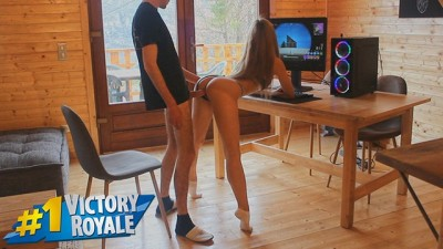 Petite Babe Fucks Big Dick of Fortnite Famous Streamer