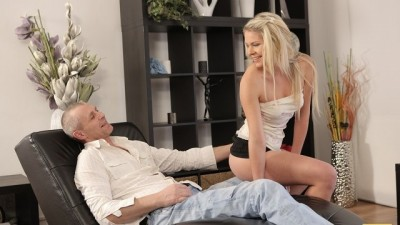 VIP4K. Blonde Model gives the Old man an Unforgettable Sex