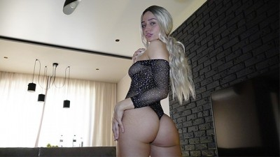 Gorgeous Deep Blowjob from an Professional Escort Chick