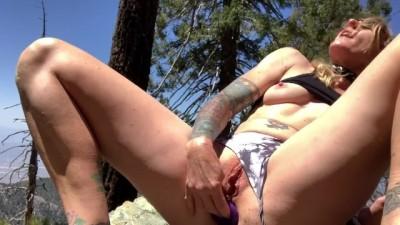 Outside Masturbation & Wet Pussy Orgasm