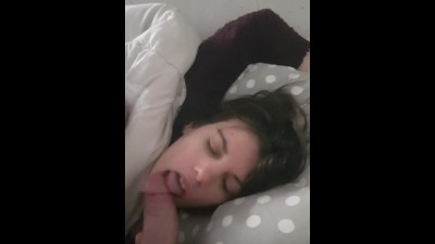 My Litle Step Sis Suck me in her Sleep and Cum in her Mouth