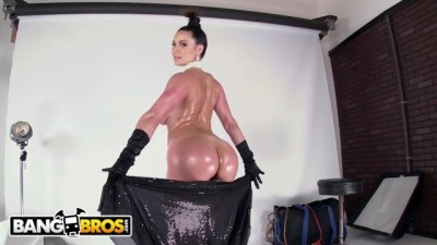 BANGBROS - Gorgeous PAWG Kendra Lust Fucking during a Photoshoot