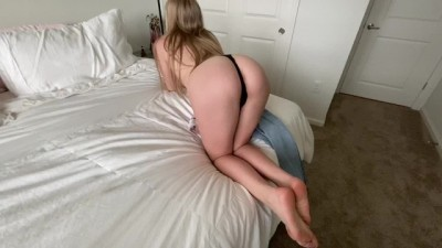 Horny 19 Yo Teen Sucks Cock and Gets Fucked & Cumshot