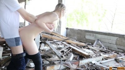 Gorgeous Amateur Sex with a Beautiful Russian Girl in an Abandoned Building