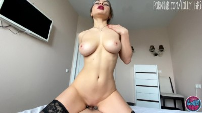 Pretty Gorgeous Body Stepsister Seduced me with her Red Lips POV